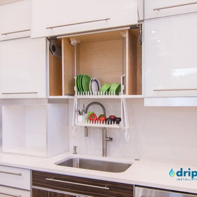 The Drip Dry Classic cabinet dish drainer